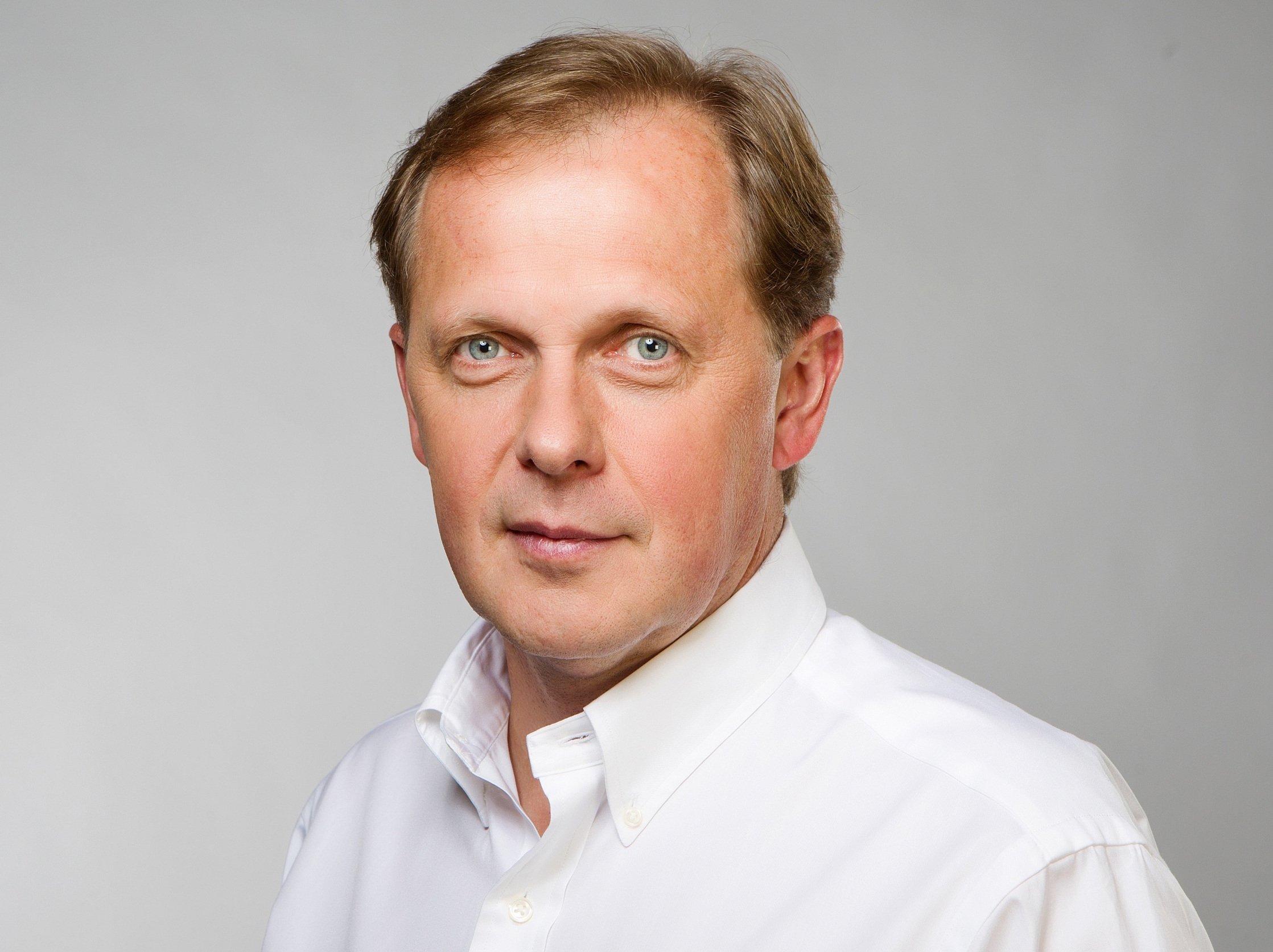 Master Speaker: Petr Dvorak, Director General of Czech Television