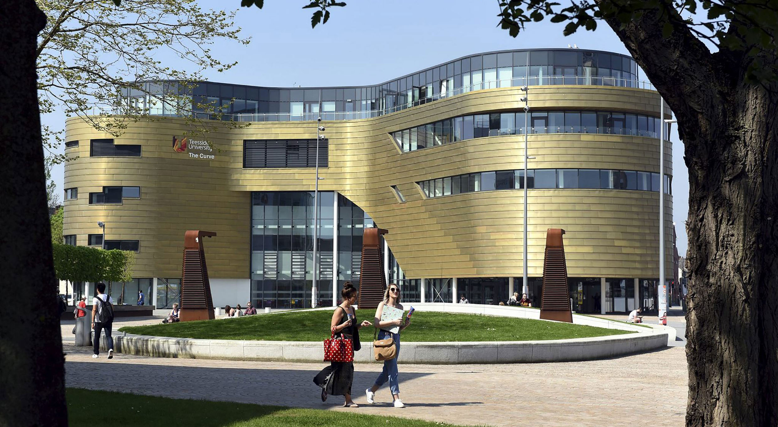 Global Accolade for Prague College's academicpartner